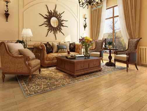 室内铺装木地板,可以给人带来温润的脚感.夏季让人,给